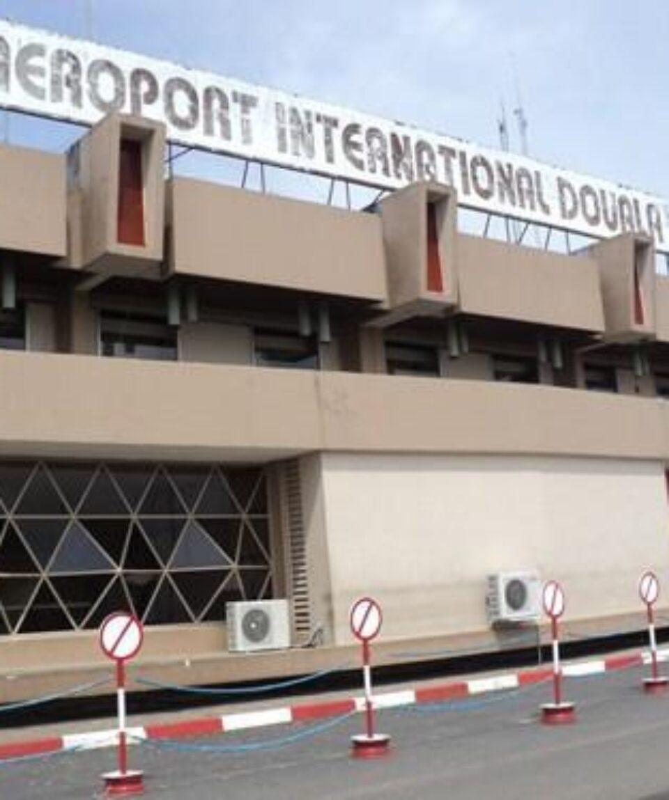 0403-6032-the-douala-airport-main-gateway-to-cameroon-closed-for-three-weeks-from-1-march-2016_L