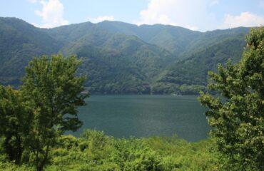 Lake_Oku_Yahagi__Ushiji_cho_Toyota_2012_lg